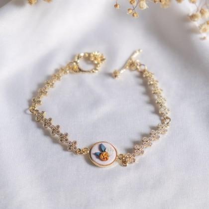 Instagrammable Tone Flower Link Polymer Clay Gold Bracelet