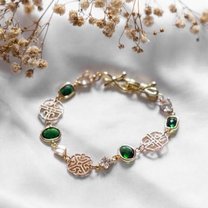 Emerald Green Oriental Gold Bracelet